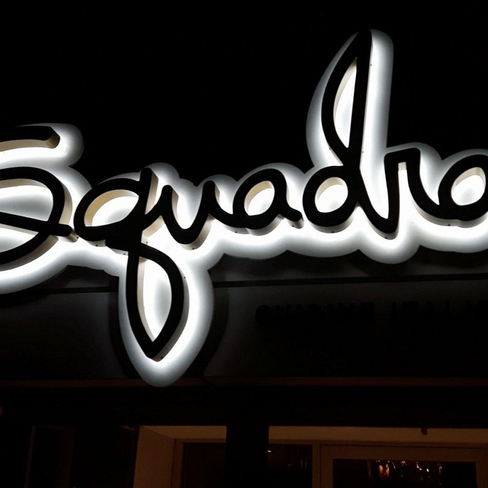 Enseigne lettres reverse channels SQUADRA