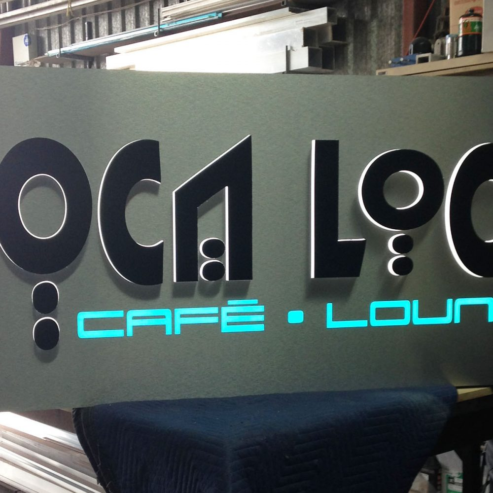 Enseigne push trough MOCA LOCA